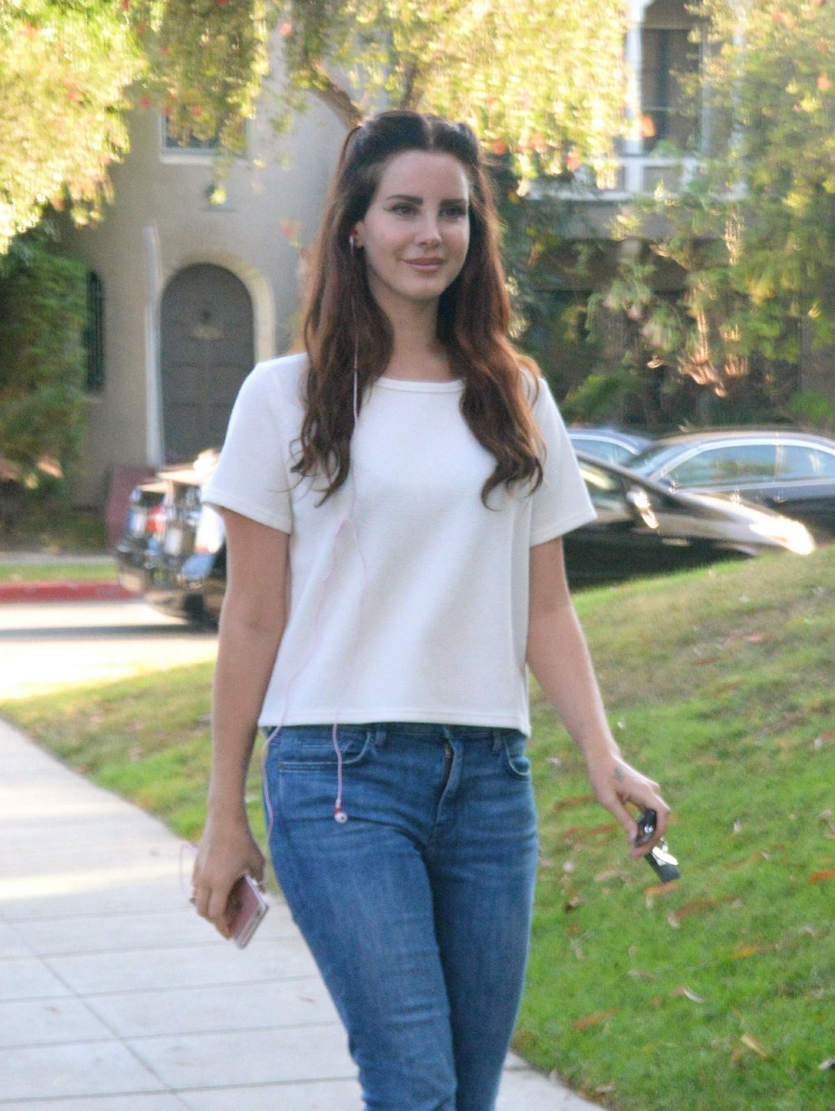 Lana Del Rey Leaves A Lunch In West Hollywood