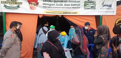 Swab Massal di Pasar Kebon Roek dikawal Polresta Mataram