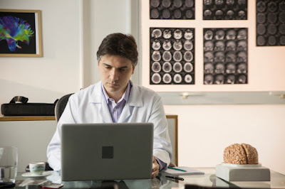 Dr. Fabiano Moulin, neurologista - Divulgação