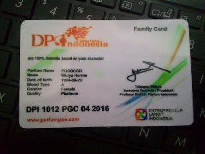 Sertifikat berbentuk ID Card untuk setiap pemesan Parfum Gue