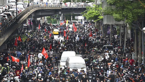 Demo soal COVID Ricuh Lagi, Sejumlah Massa Disebut Tertular Virus