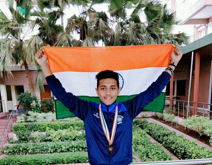 powerlifter Varun Pradip Dave