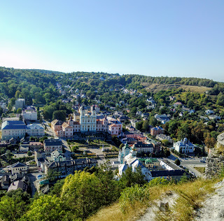 Кременец. Тернопольская обл. Вид с Замковой горы на исторические места и достопримечательности