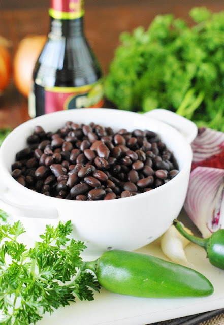Seasoned Black Beans ~ a quick side dish loaded with flavor & on the table in under 15 minutes!  www.thekitchenismyplayground.com