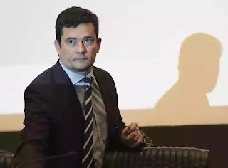 Bolsonaro despista  sobre  Moro  como vice: muito  cedo.