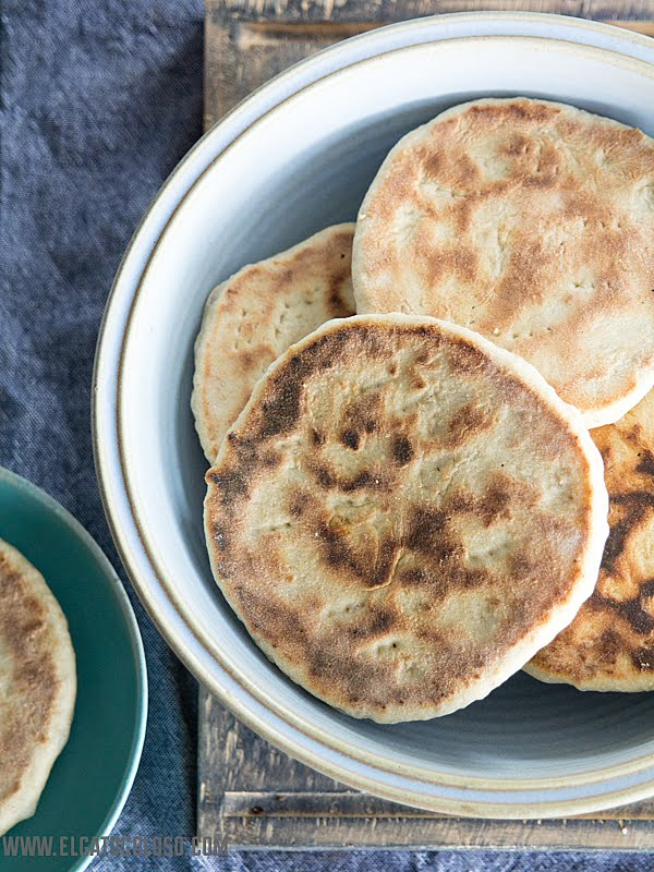 Cómo hacer arepas andinas con harina de trigo leudante