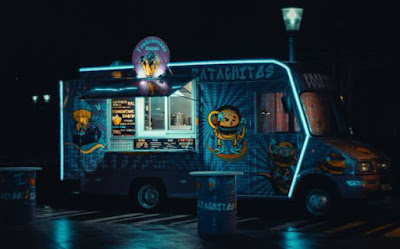Food truck or food truck