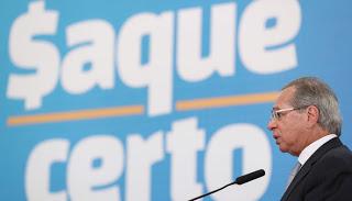 Ministro Paulo Guedes admite prorrogar auxílio emergencial por um ou dois meses, mas com valor de R$ 200