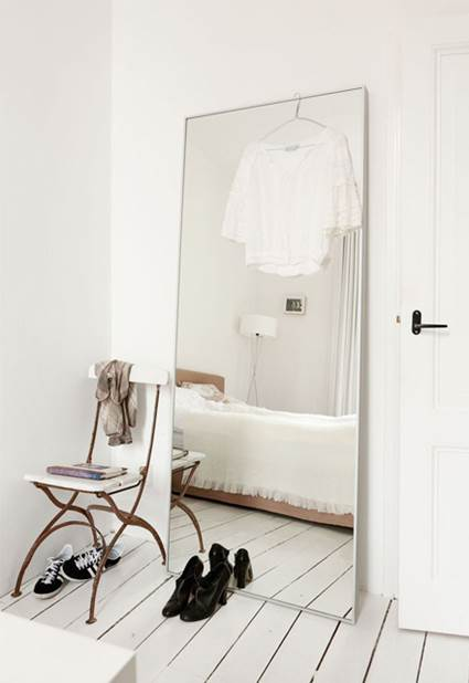 How To Decorate With Mirrors Without Frame 7