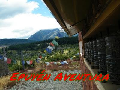 Estupa tibetana en la Patagonia - Epuyén Aventura