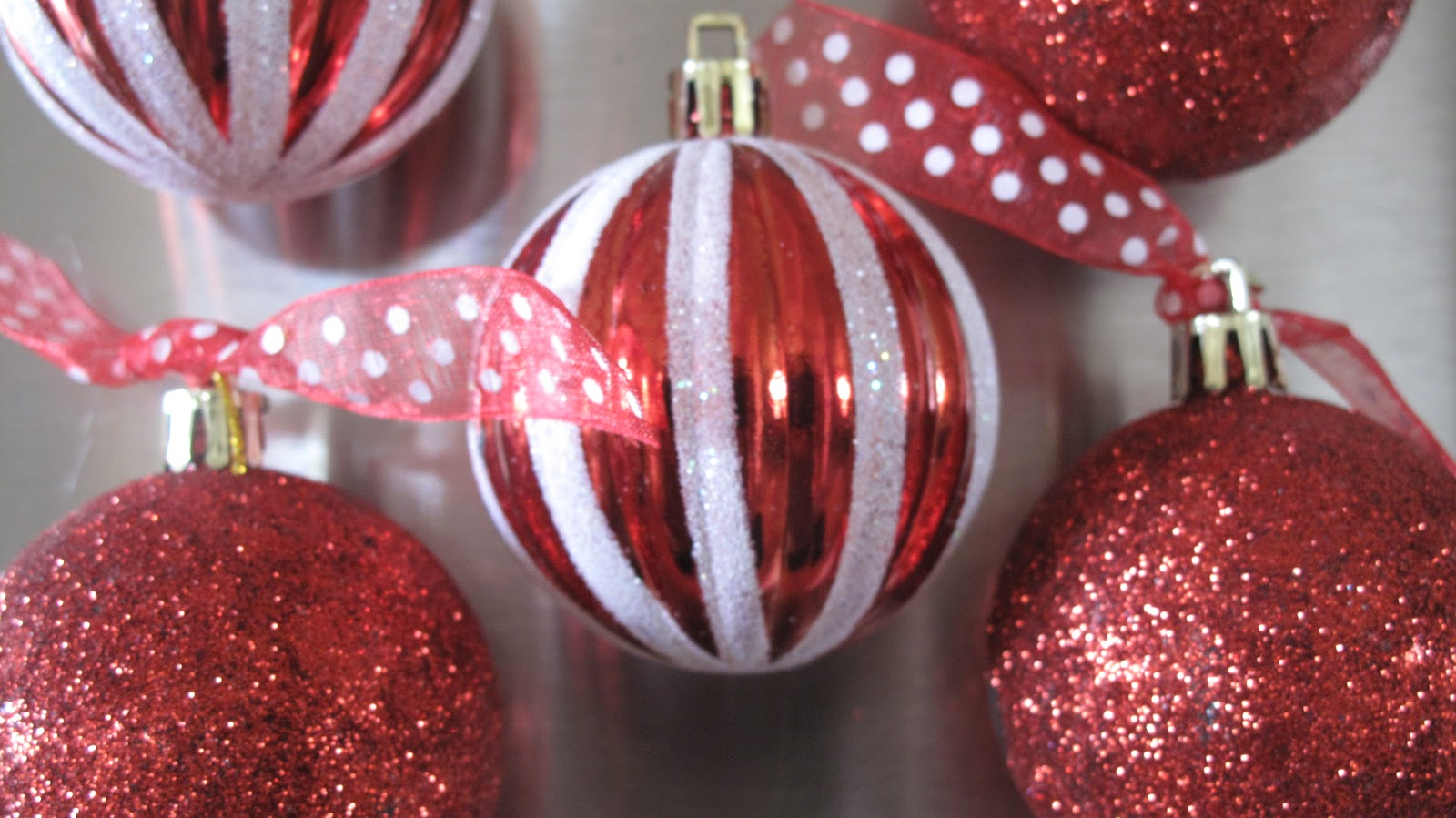 Red Couch Recipes: Christmas Ornament Refrigerator Magnets