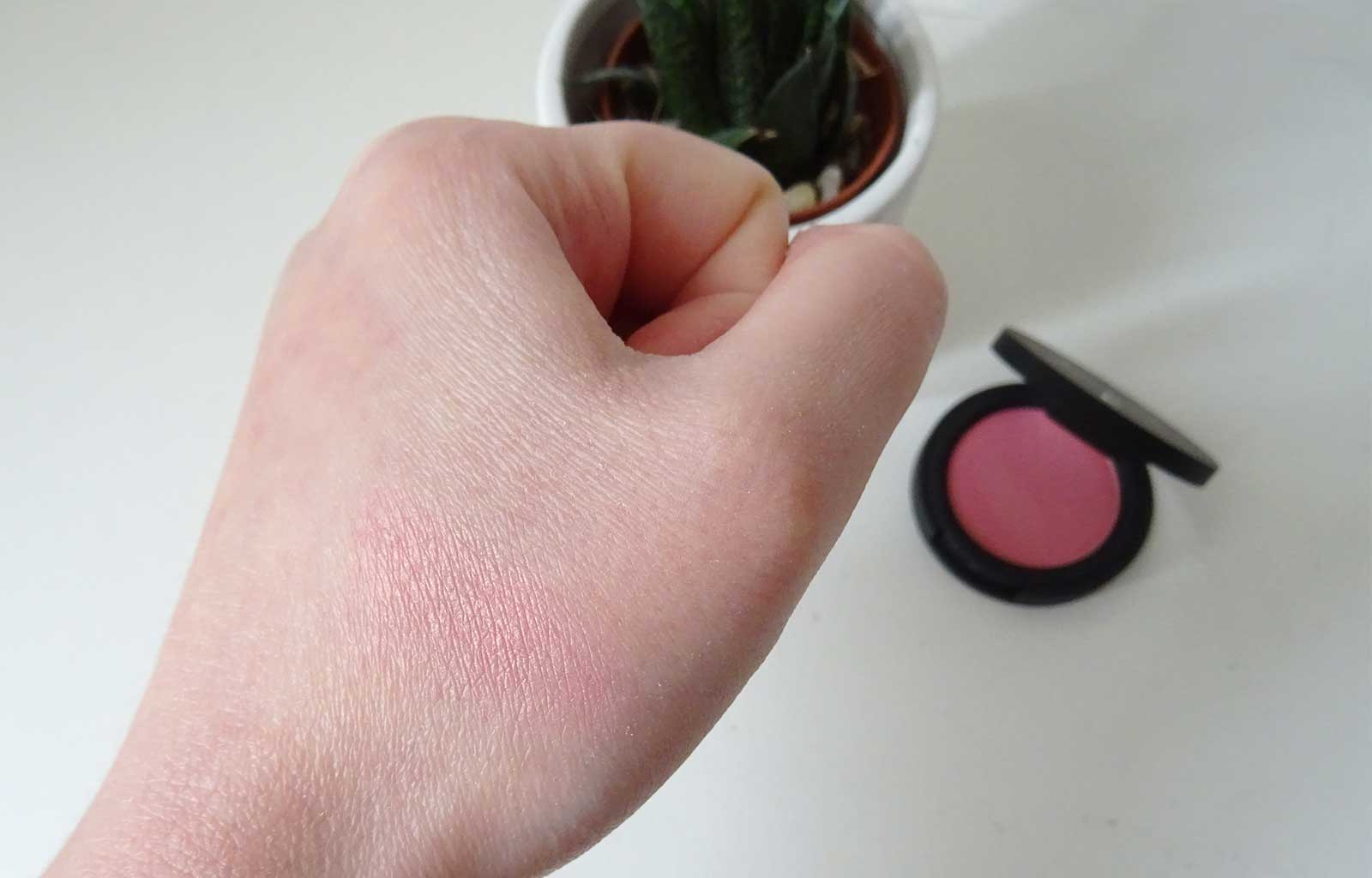 Maquillage P.Lab Beauty blush rose aux joues