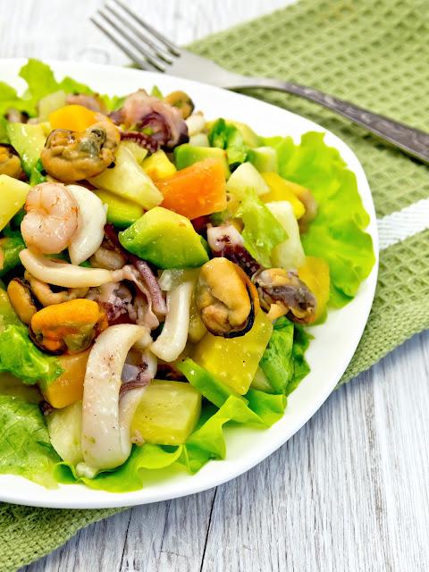 receta de la ensalada de palta con mariscos