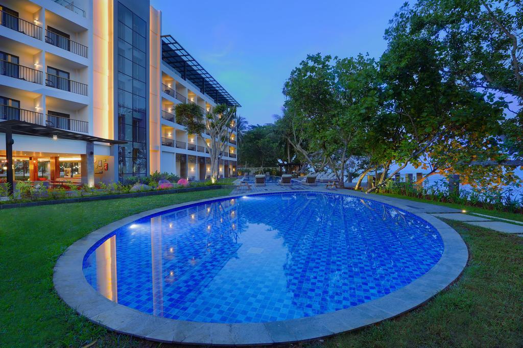 Aston Anyer Beach Hotel Termewah dan Strategis di Serang Banten