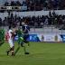 Jugador boliviano sufrió terrible choque y fue llevado de emergencia al hospital  [VIDEO]