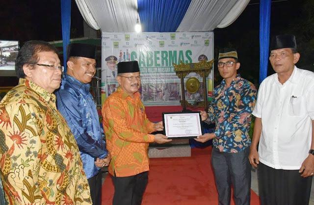 Launching Sabermas, Ali Mukhni Bantu Premi BPJS dan Jamban Sehat Warga