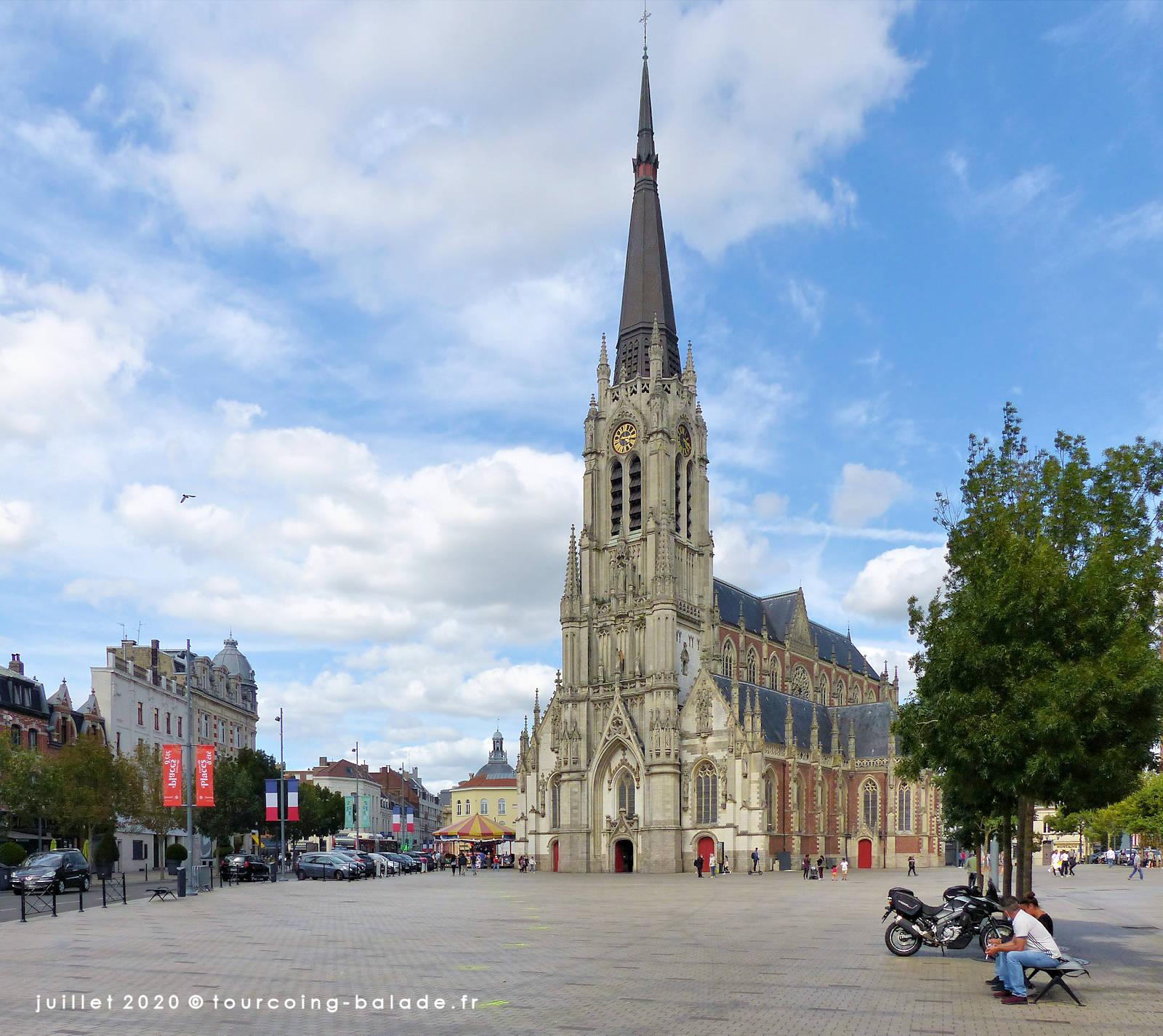 Parvis et église Saint Christophe, Tourcoing 2020.
