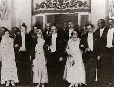 Ο Βενιζέλος με τον Ατατούρκ στην Άγκυρα τον Οκτώβριο του 1930 AtaturkAndVenizelos