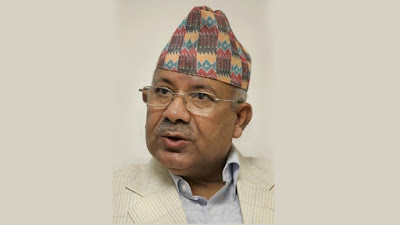ओलीले दुइमा एक पद छाड्नुपर्छ :  नेपाल