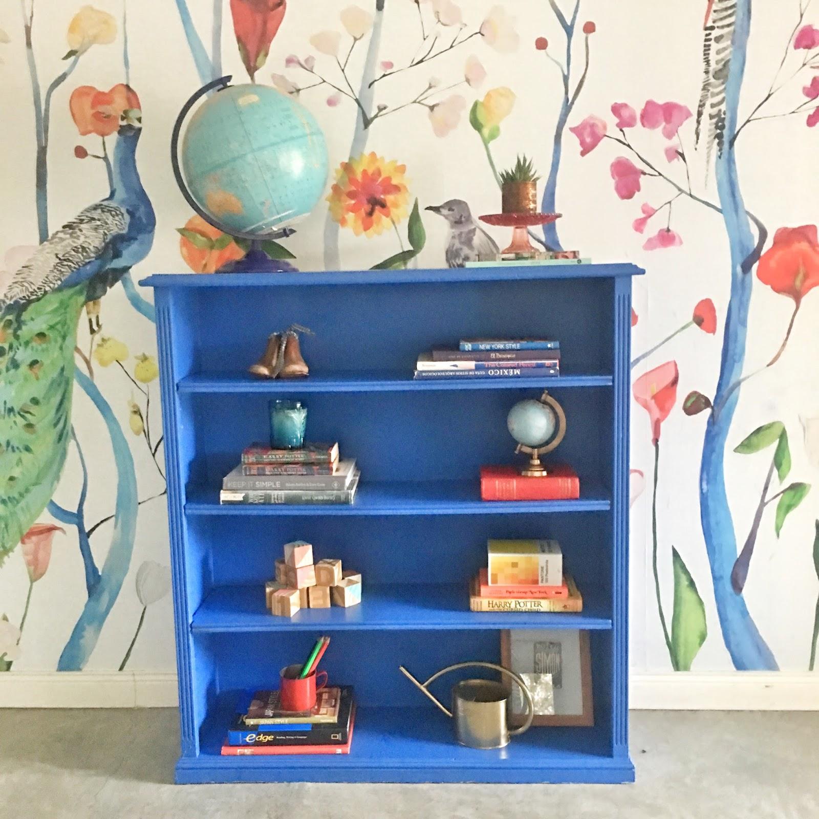 Como pintar una biblioteca azul  - DIY