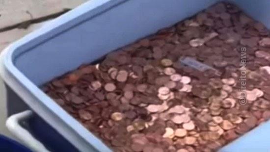 pai 80 mil moedas quintal mulher