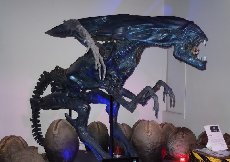Alien Queen replica model