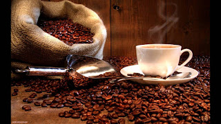 La tassa estava plena però de cafè en gra molt