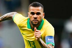 Dani Alves Tertarik Untuk Kembali Ke Barcelona Lagi