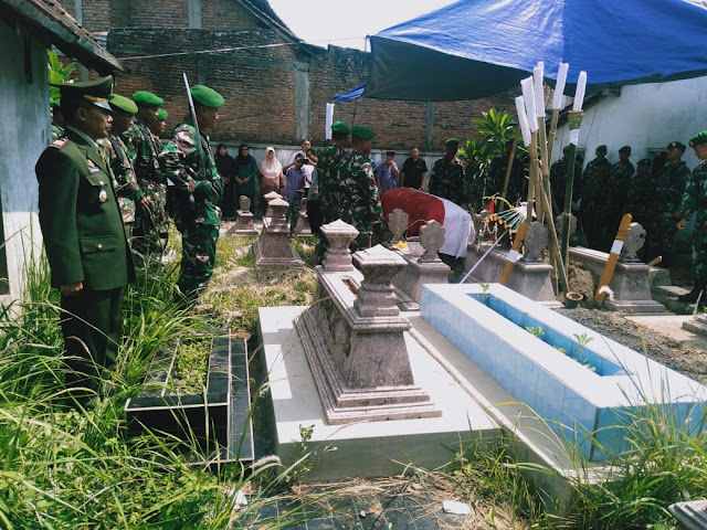 Danramil Wonosari Berikan Penghormatan Terakhir Untuk Alm Serma Waginu
