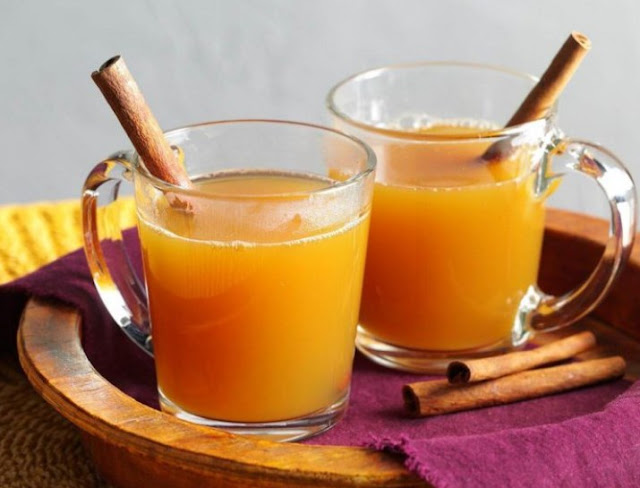 Slow Cooker Spiced Apple Cider with Orange #drinks #winter