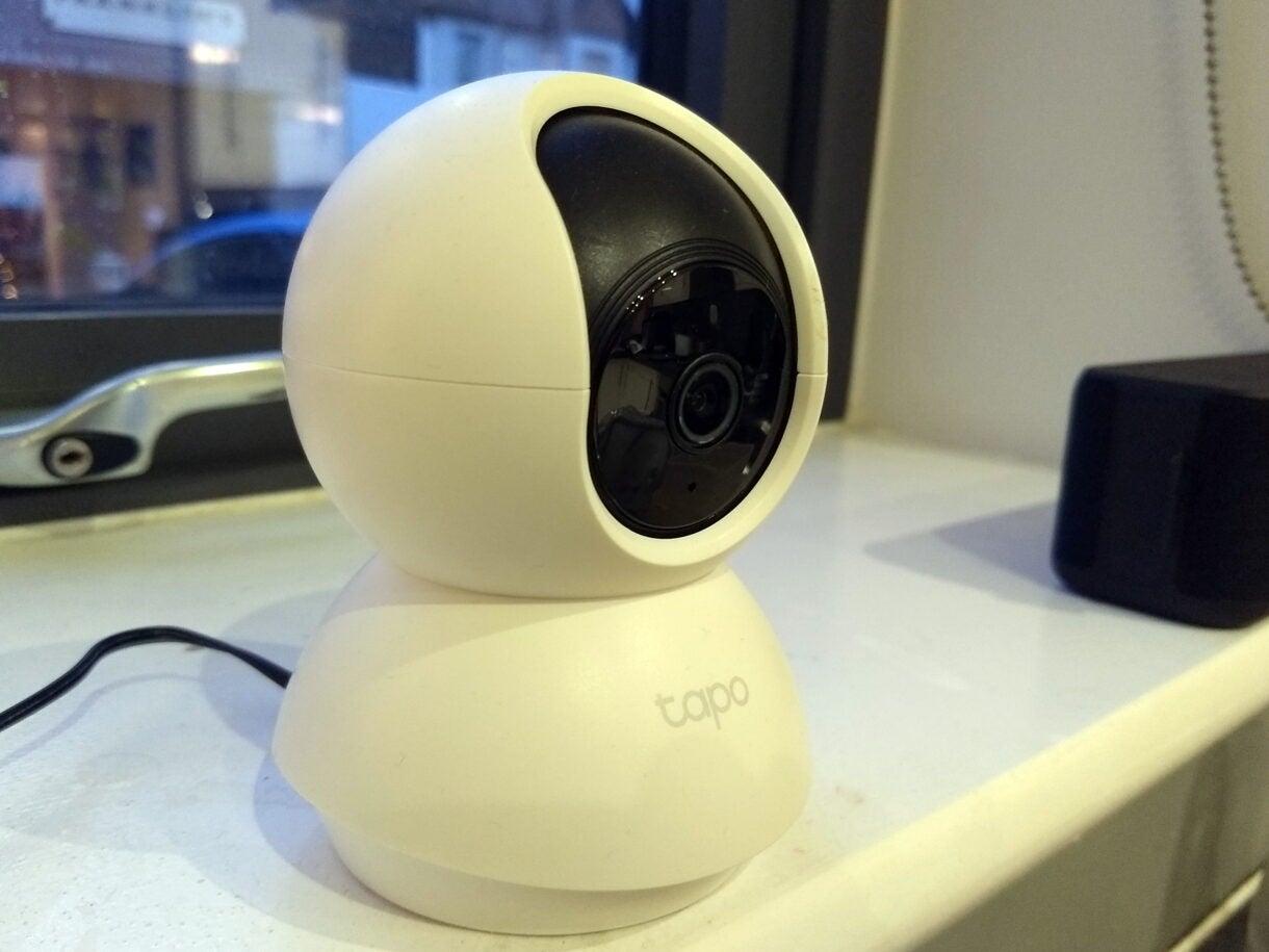 Trên tay camera giám sát TP-Link C200 Review