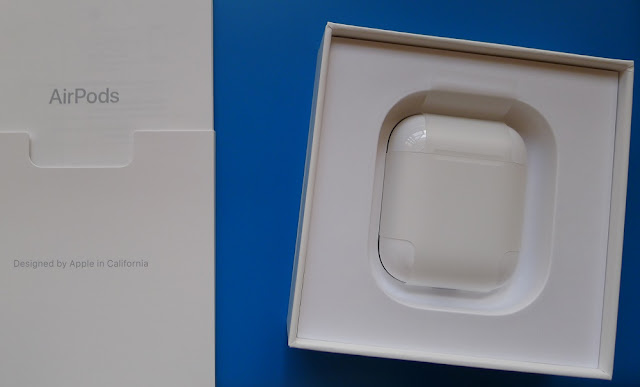 Apple AirPods packaging