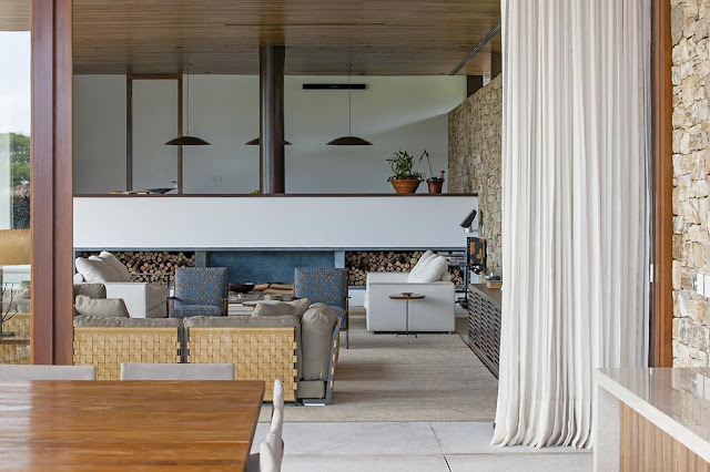 arquitetura-contemporanea-parede-pedra