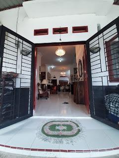 Pintu Depan Rumah second cantik mulus dan terawat dalam komplek Taman Asoka Asri di Jl. Flamboyan Simpang Pemda Medan