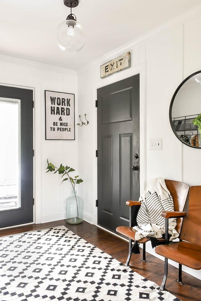 declutter and minimize decor, Vintage modern minimal mudroom