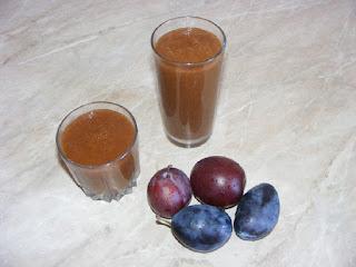 smoothie de prune, suc de prune, sanatate, natural, retete, diete, detoxifiere, medicament,