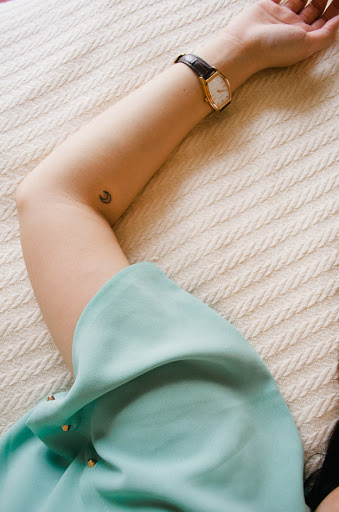 Pequenas tatuagens para as meninas, lindas, você deve tentar