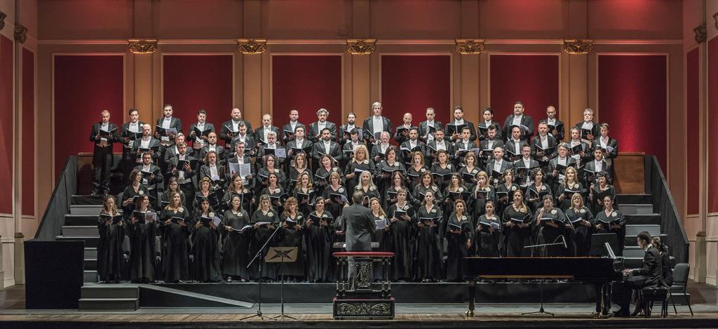 En Mar del Plata la Orquesta Estable y el Coro del Teatro Colón brindarán un concierto de fin de año en el Parque San Martín
