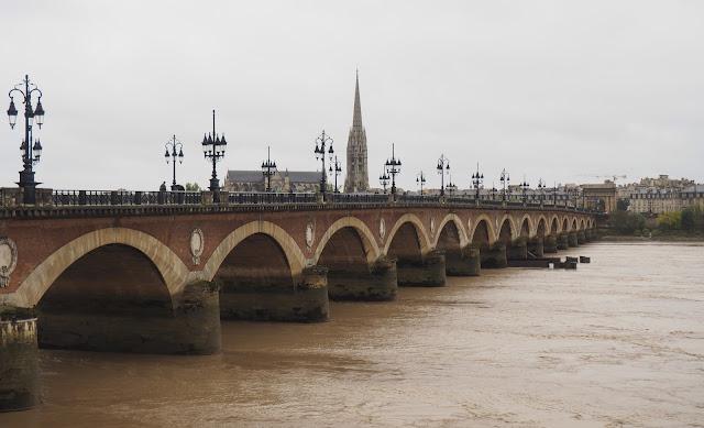 Бордо, мост Пон-де-Пьер (Bordeaux, Pont de Pierre Bridge)