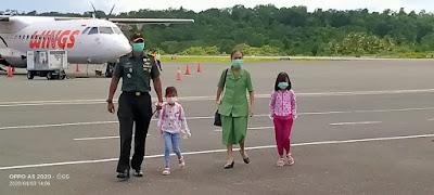 Letkol Inf Mario Noya bersama istri dan kedua anaknya telah tiba di Kepulauan Kei pada, Jumat (3/4/2020)