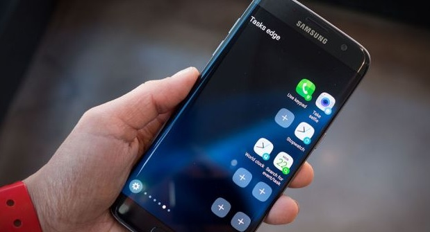 Cara Menambah dan Menampilkan Jam di Layar Depan HP Android