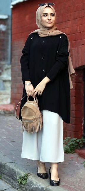 Model Baju Lebaran Cewek Polos dengan Bawahan Putih dan tampil cantik