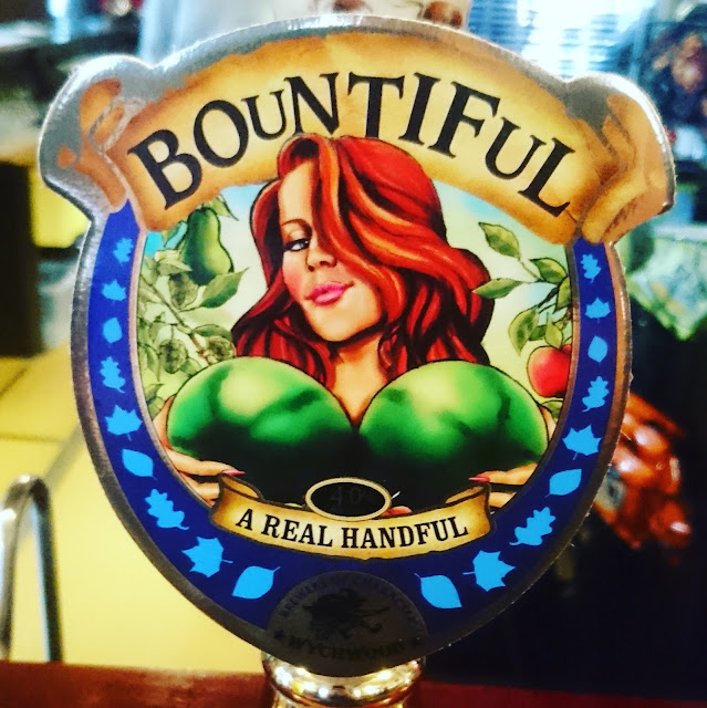 Oxfordshire Craft Beer Review: Bountiful from Wychwood real ale pump clip