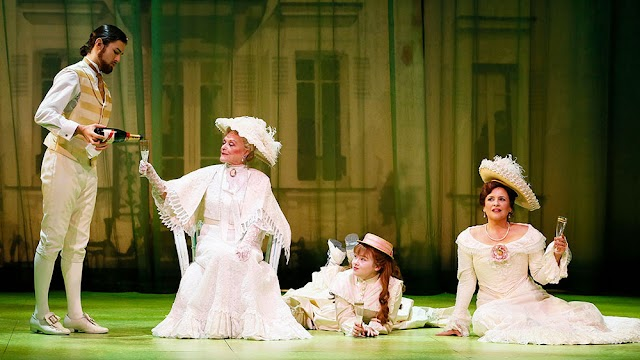 Un día como hoy...A LITTLE NIGHT MUSIC se estrenaba en Broadway