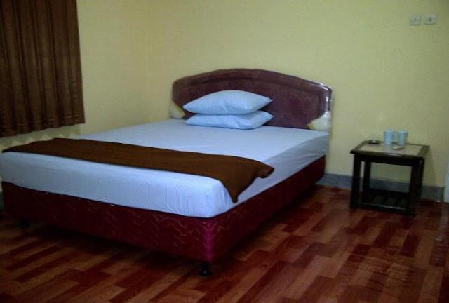 Kamar AC MMM Guest House Belitung