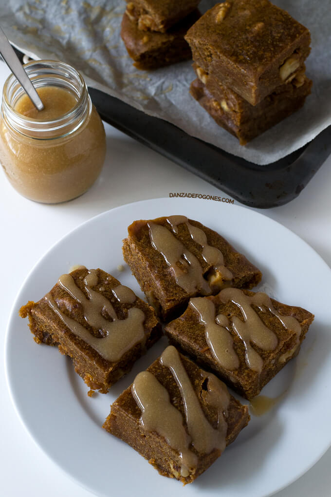 Gluten-Free Vegan Blondie | danceofstoves.com #DanceofStoves #recipe #withoutgluten #vegan