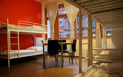 Hostel atau Hotel