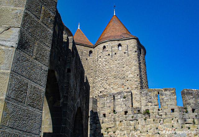 Porta Narbonnaise, Casrcassonne, França