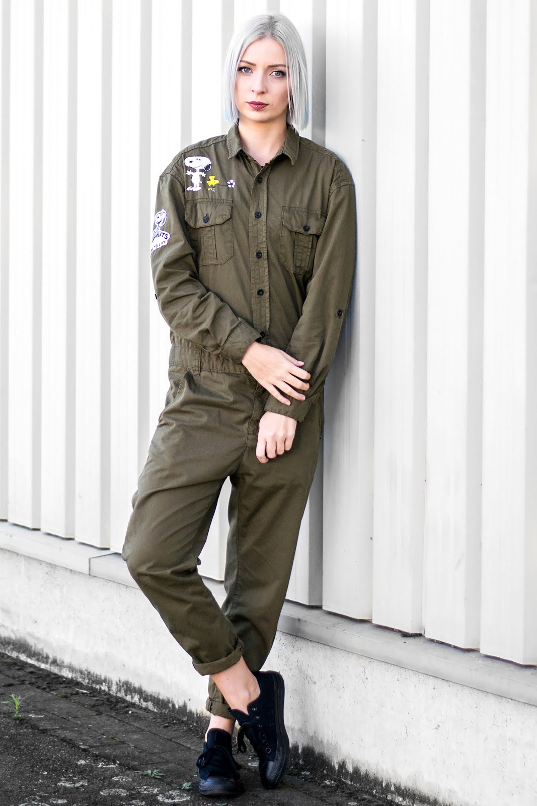 Peanuts boilersuit, jumpsuit, snoopy, zara trf, sale, khaki green, monochrome converse, all star, black, outfit, minimal