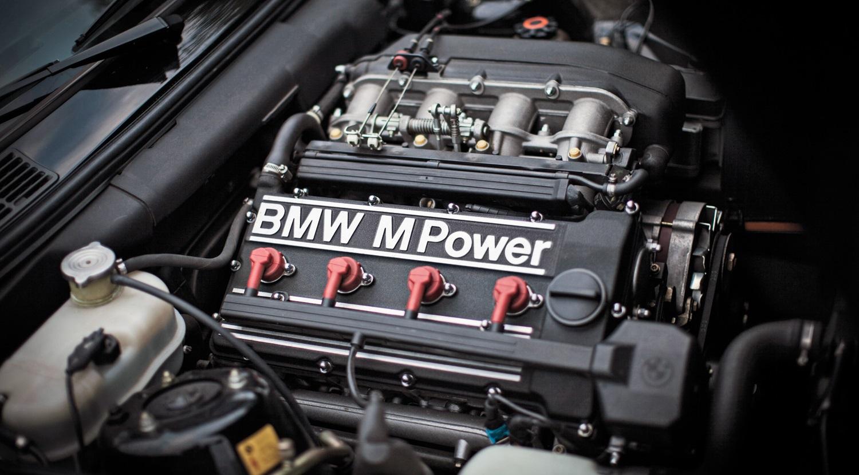 En Güzel Görünüme Sahip 6 Otomobil Motoru Sekiz Silindir